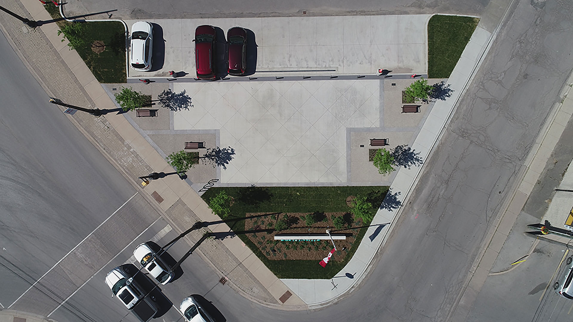 Birds-eye-view of Smithville Square Parkette.